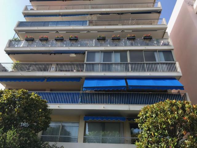 Продажа отеля 3* в 250 м от пляжа, Juan les Pins - фото 1