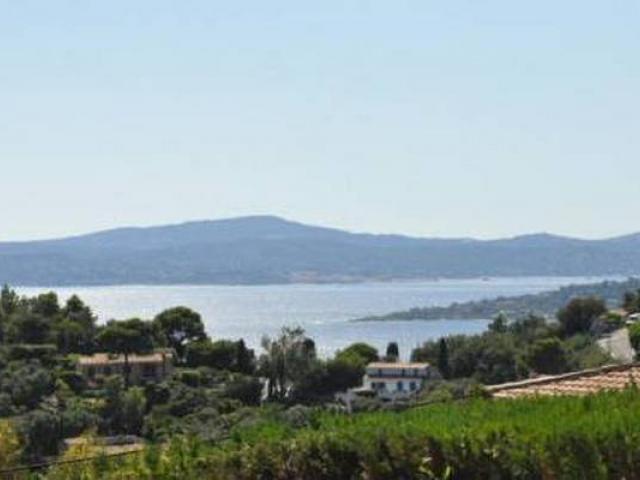 Вилла с видом на море и горы