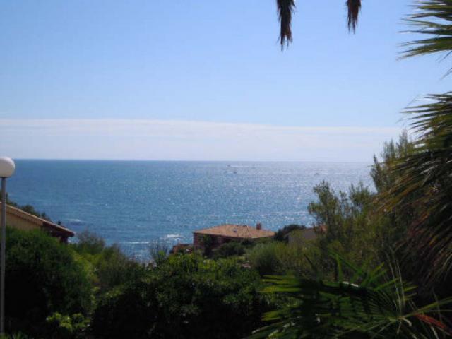 Продажа виллы с видом на море в Сен Рафаэле