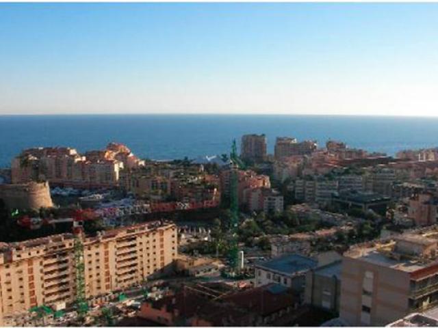 Квартира с панорамным видом в Монако.