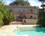 Вилла в Cap d`Antibes с бассейном