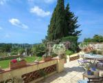 Вид с террасы поместья в Ницце