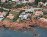 Недвижимость во Франции. Вилла на берегу моря в Maison
